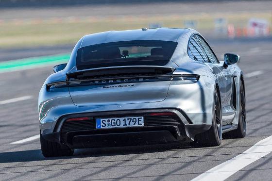 Welcher Turbo S ist der schnellere?