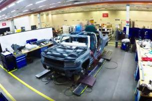 Teaservideo zeigt neuen Elektro-Hummer