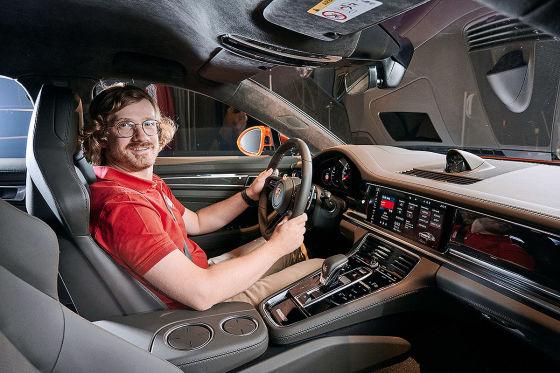 Das Facelift des Porsche Panamera bekommt das Lenkrad aus dem 911
