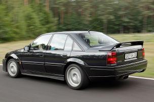 Lotus Omega so schnell wie ein BMW M5?