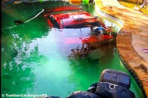 Suff-Fahrer versenkt Lancer in Pool