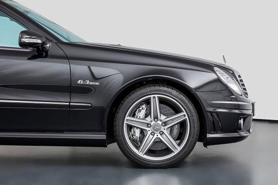 14 Jahre altes Mercedes E 63 AMG T-Modell wird als Neuwagen verkauft