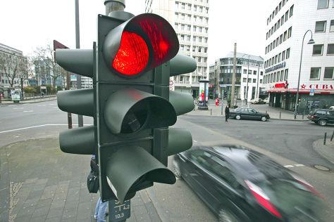 Wann man Verkehrsregeln brechen darf