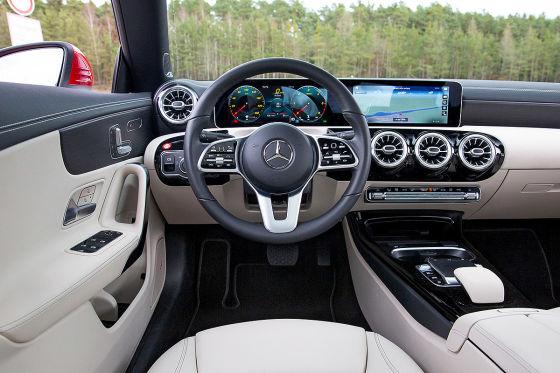 Mercedes A-Klasse, Mercedes CLA Coupé