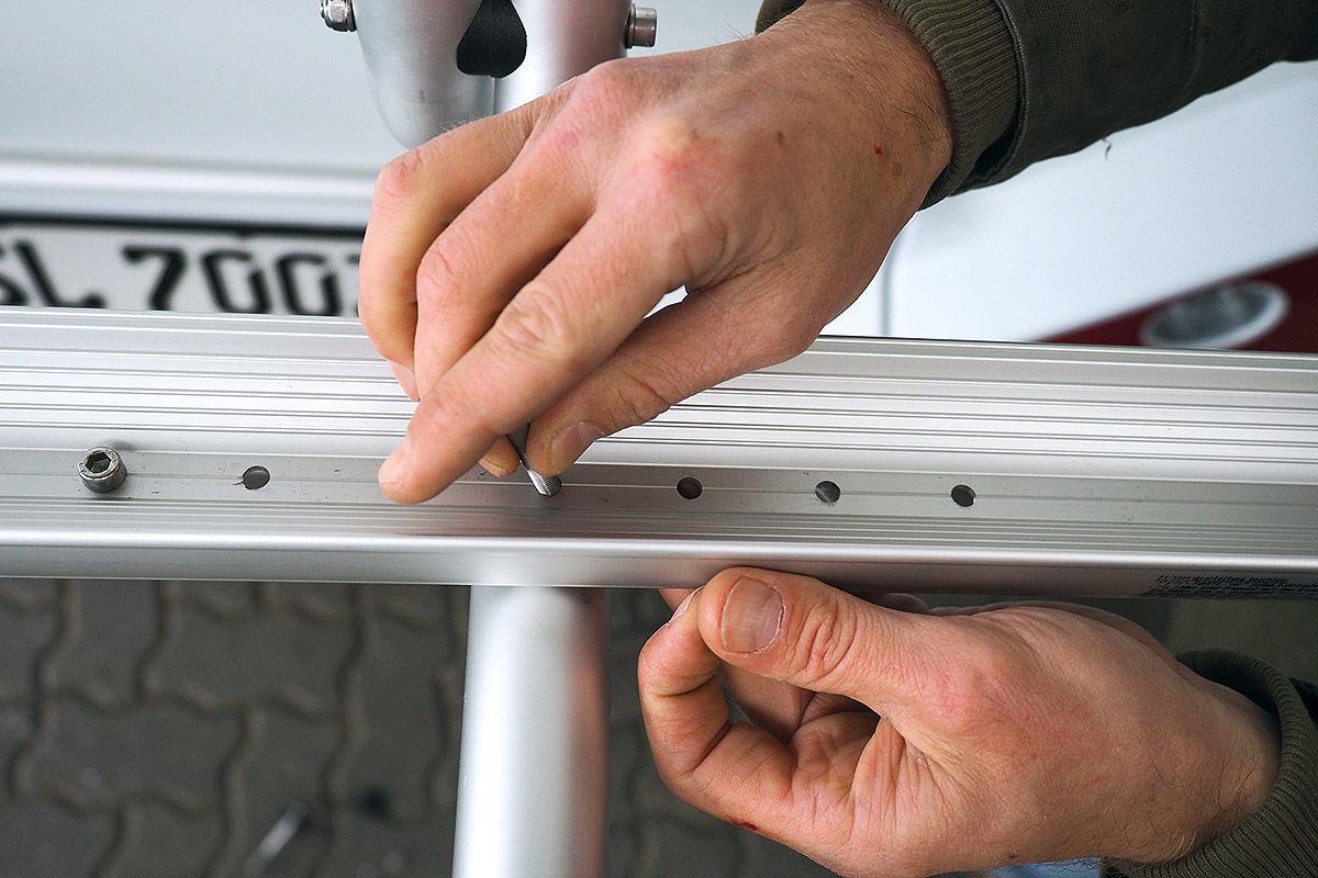 Fünf Fahrradträger im Check