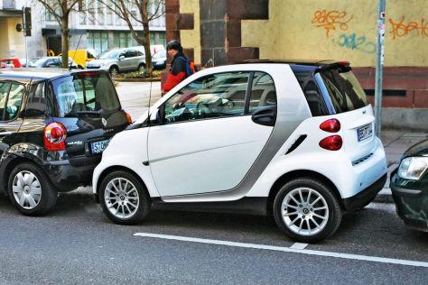 Auto zugeparkt: Das kann man tun (BILDplus)