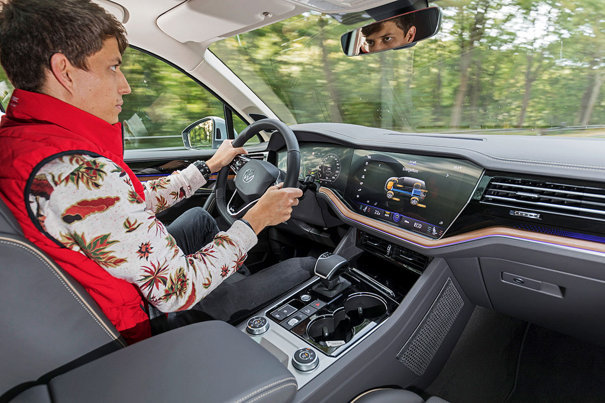 So fährt der VW Touareg eHybrid