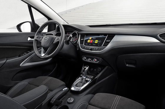 Zum Facelift spendiert Opel dem Crossland eine neue Front im Mokka-Stil