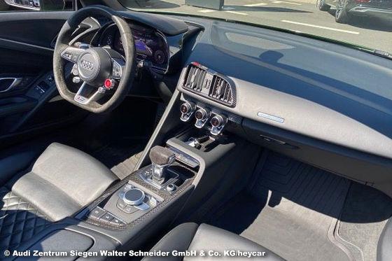 Audi R8 V10 plus Spyder in Sonderfarbe zu verkaufen