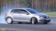 Driftmonster: VW Golf 7 mit BMW-V8