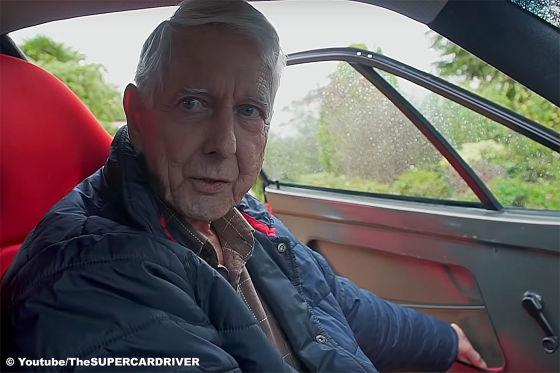 80-jähriger Petrolhead fährt seinen Ferrari F40 auch im Regen