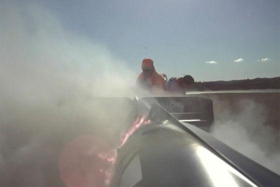 Hier brennt ein Formel-1-Auto ab