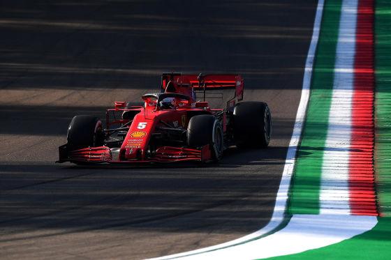 Mercedes vorn, Vettel langsam