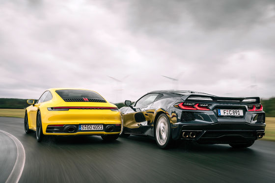 Corvette C8 Stingray    Porsche 911 Carrera S