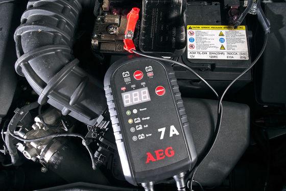Ladegerät von AEG kann oft auch tiefentladene Akkus retten