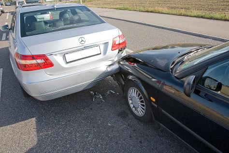 Auffahrunfall auf der Straße - Unfall