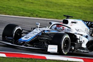 Erste Strafe geht an Mercedes-Power