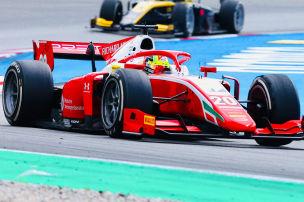 Formel 2: Titelkampf mit Schumi jr.