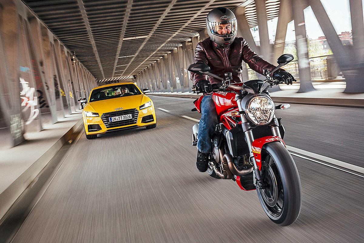 Audi TT Coupe    Ducati Monster 1200