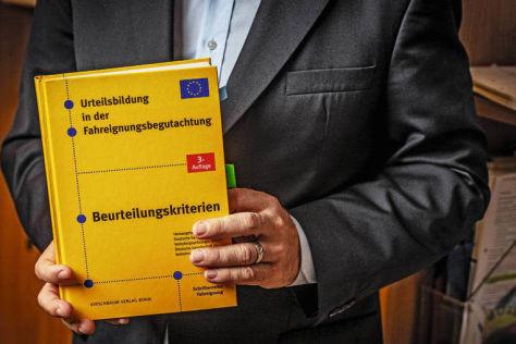 MPU: TÜV-Psychologe verrät, wie Sie den Führerschein zurück bekommen