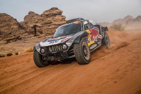 Rallye-Dakar-Finale-Peterhansel-holt-seinen-14-Sieg