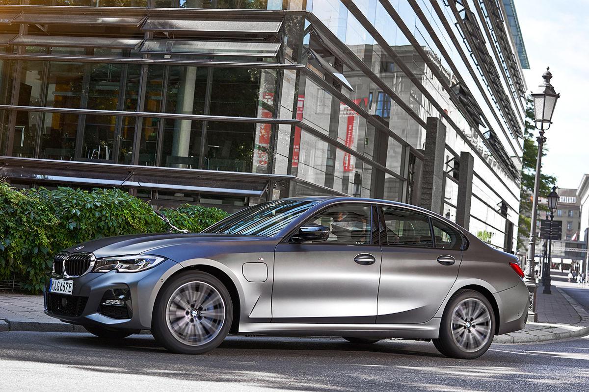 BMW 320e Limousine