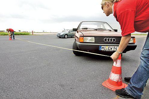 Bald ein Oldie: David Suckau jagd seinen Audi 80 durch die Teststationen.
