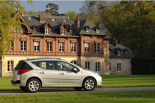 Peugeot 207 SW: 185 km/h Spitze, von 0 auf 100 in 11,8 Sekunden.