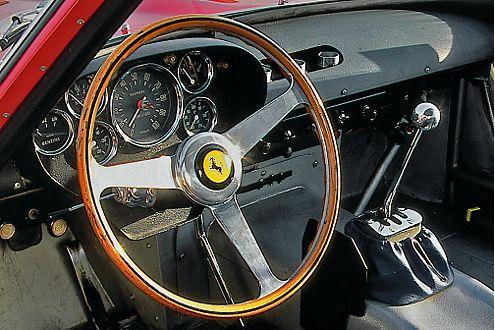 Backofen: In der Fahrgastzelle des Ferrari 250 GTO wird dem Piloten warm.