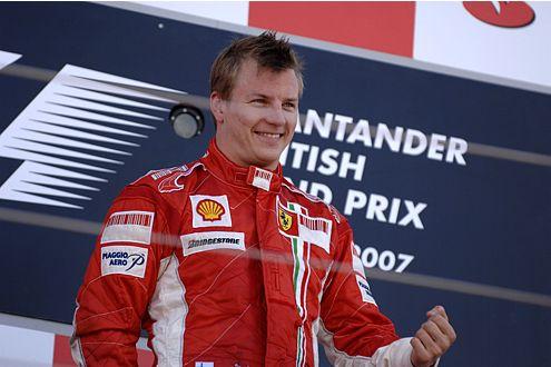 Der zweite Sieg in Folge: Kimi Räikkönen lässt Ferrari wieder hoffen.