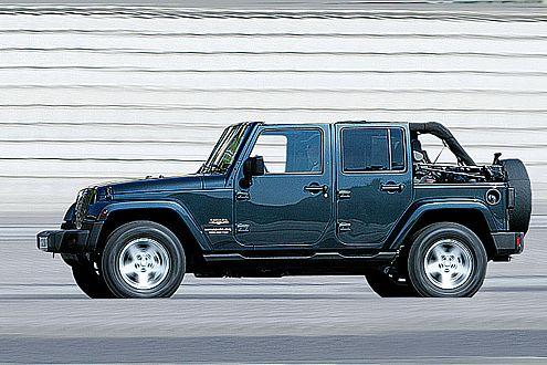 Jetzt gibt's ihn auch in lang, viertürig, mit Stoffdach und Dieselmotor.