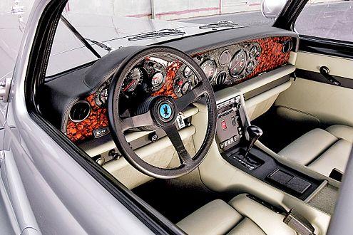 Knapp: Im Isdera Autobahnkurier ist weniger Platz als im Porsche 911.