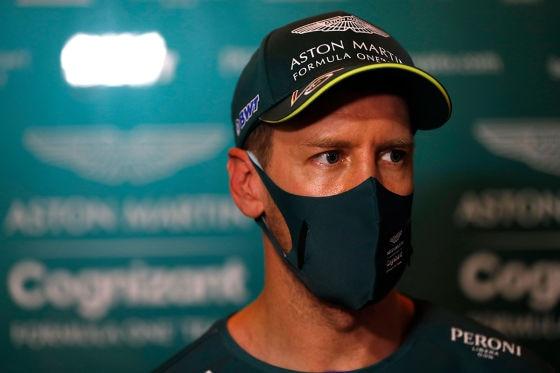Vettel sieht auch bei Aston Martin Rot