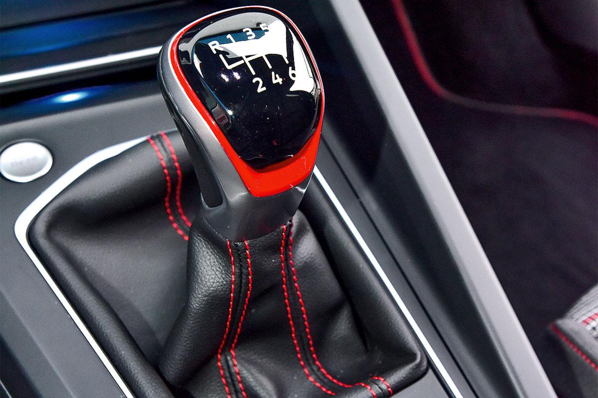 VW Golf 8 GTI 2.0 TSI