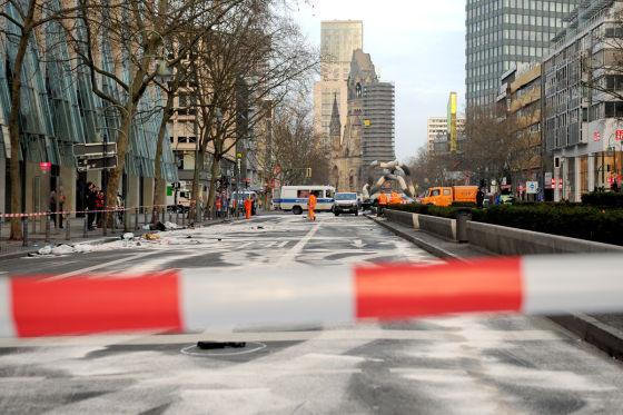Raser-Unfallort in der Tauentzienstraße in Berlin
