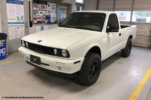 Irre Pick-up-Kreation mit BMW-Front