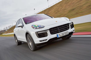 Porsches gro�es SUV leidet an �lverlust