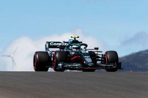 Vettel f�hrt wieder aus dem Bauch raus