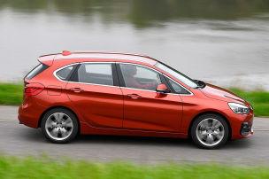 BMW-Van l�sst wenig anbrennen
