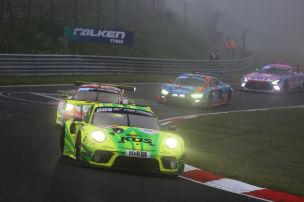 Manthey-Porsche holt 24h-Sieg
