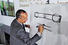 Chefdesigner bei VW    Vita Walter de Silva