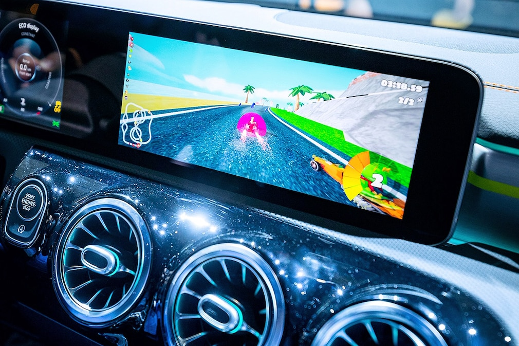 Mercedes-Benz In-Car-Gaming - MWC 2019