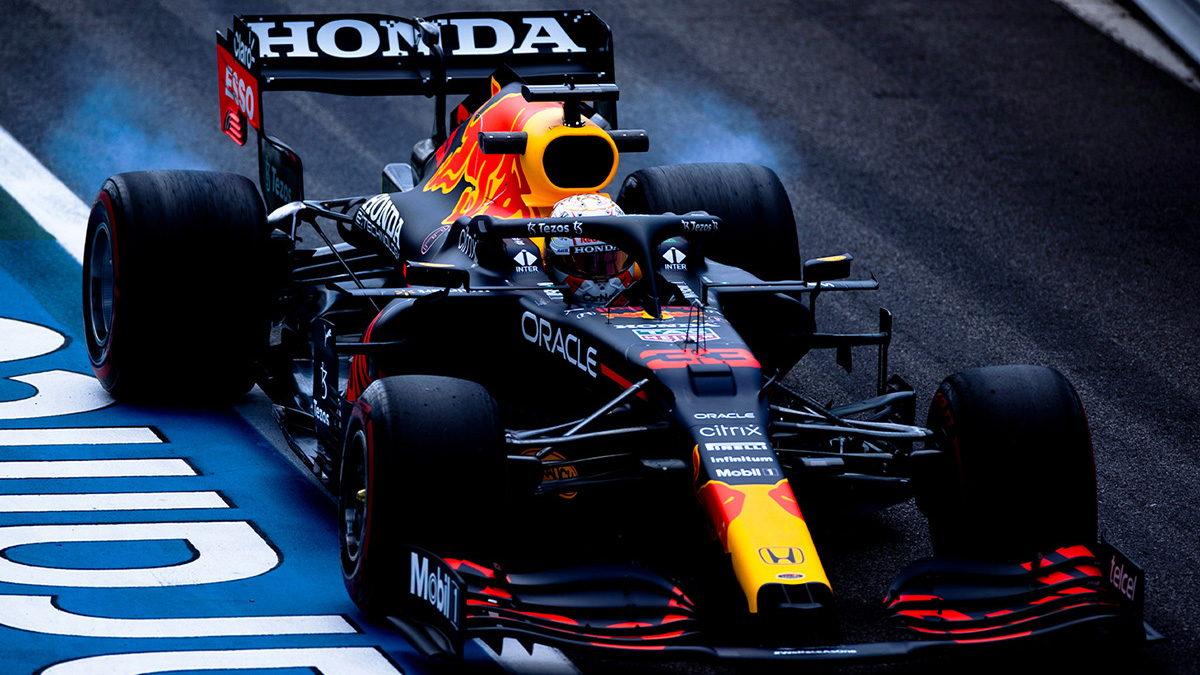 Formel 1: Verstappen hauchdünn vor Mercedes