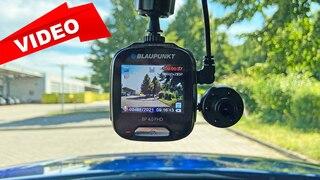 Günstige Dual-Dashcam mit einem Haken