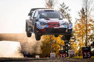 Toyota-Pilot gewinnt schnellste Schotter-Rallye