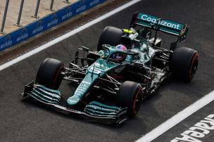 Vettel von nassen Stellen ausgebremst
