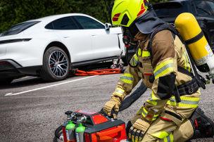 Neues L�schsystem f�r E-Auto-Br�nde