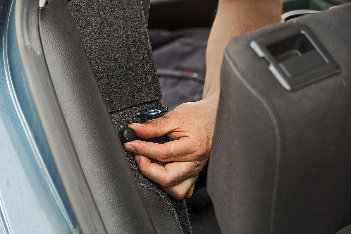So stellen Sie Geklapper im Auto ab