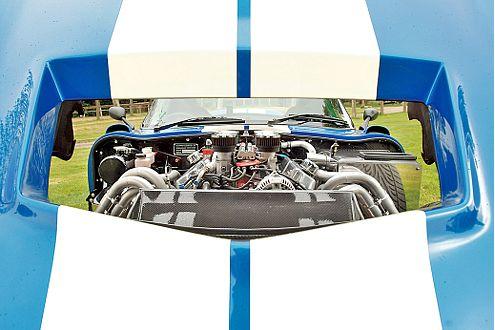 500 PS und ein 6,6-Liter-V8 lassen Knöchel weiß werden.