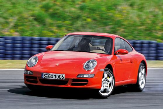 Vorsicht: Mit abgeschaltetem ESP (PSM) wird der Porsche 911 Carrera S zur Heckschleuder.